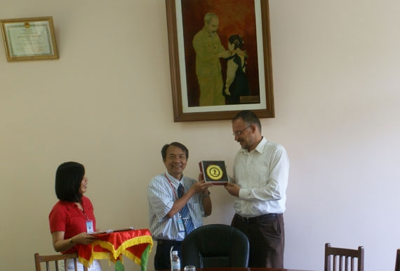 The German Academic Exchange Service (DAAD) paid a visit to Dong Thap University