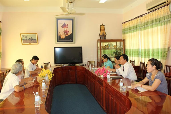 Dong Thap University warmly welcomed the delegation of Donkoi Child Development Center, Laos