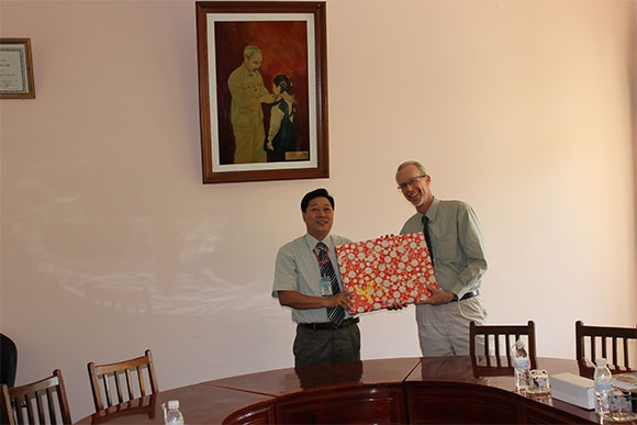 Dong Thap University warmly welcomed Dr. Jim Therrell, Director of Faculty Center for Innovative Teaching, Central Michigan University, USA
